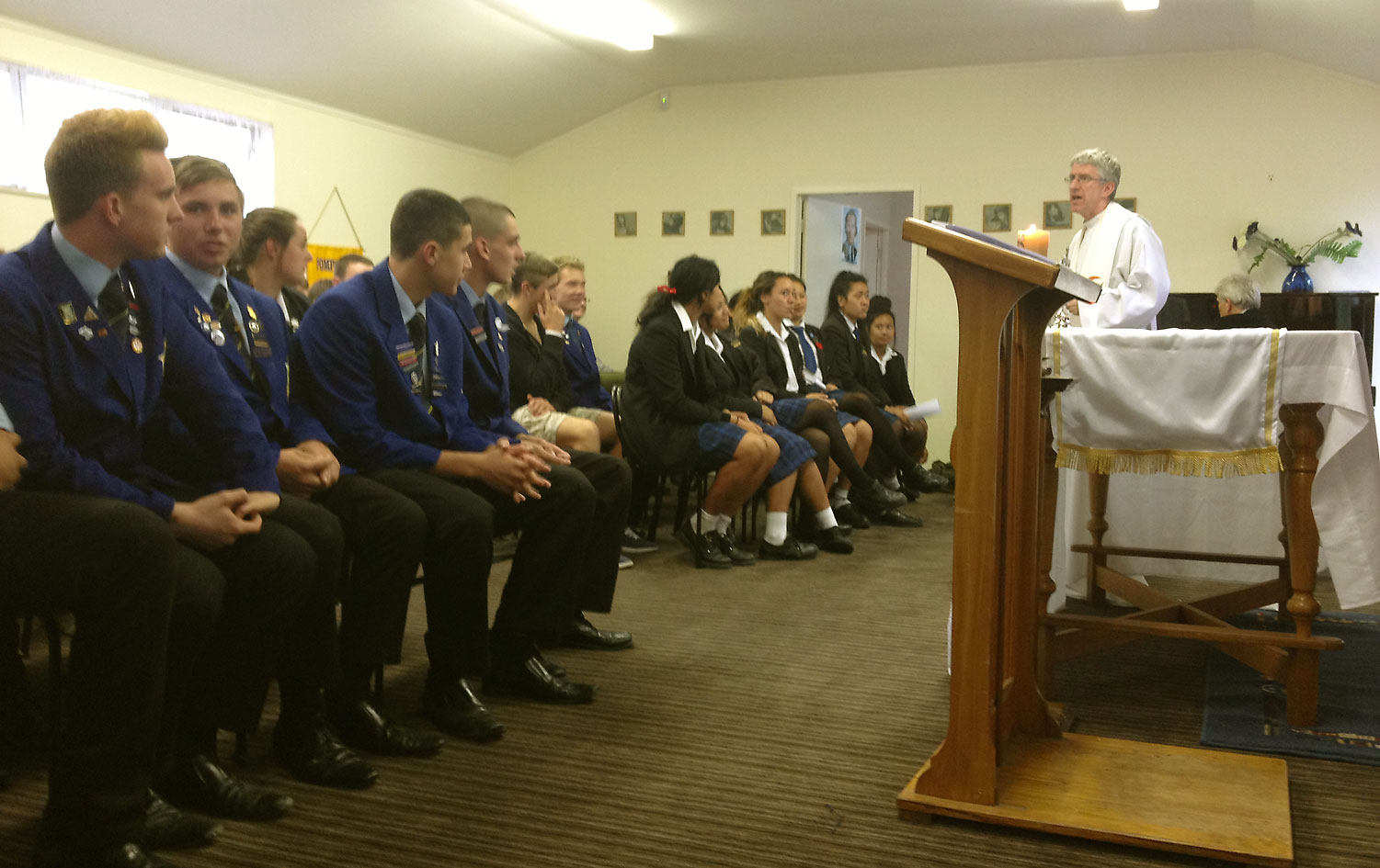 Students gather for faith and chips Archdiocese of Wellington