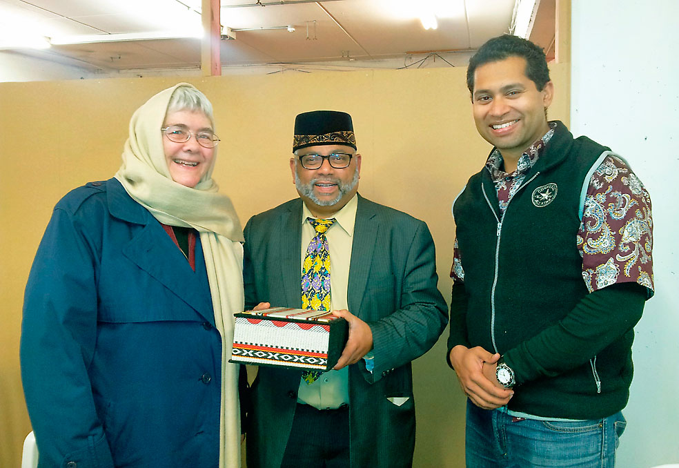 Wellington Catholics visit the mosque Archdiocese of Wellington