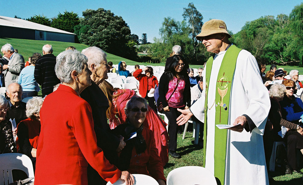 Combined parish celebrates in the open Archdiocese of Wellington