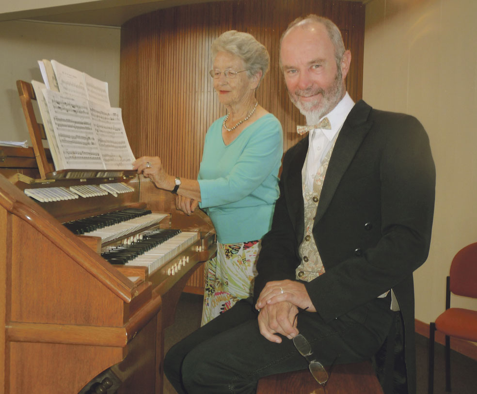 Renowned organ recitalist praises Whanganui organ Archdiocese of Wellington