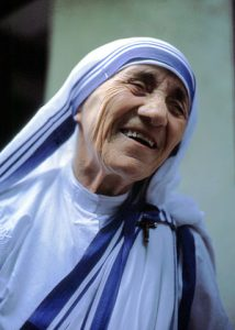 Saint Teresa of Calcutta, founder Missionaries of Charity Sisters, canonised to sainthood by Pope Francis on 4 September 2016. Photo: Manfredo Ferrari (1985), Wikimedia Commons