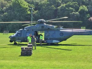 Defence staff unloading supplies for Kaikōura people.