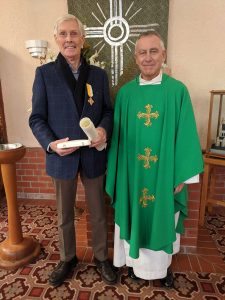 Papal medals for Catholic Foundation members Archdiocese of Wellington